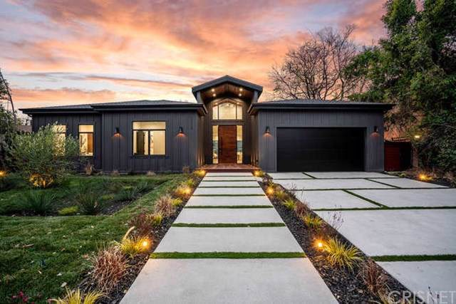 11608 Blix Street, Valley Village, CA 91602 (#SR20016129) :: RE/MAX Estate Properties