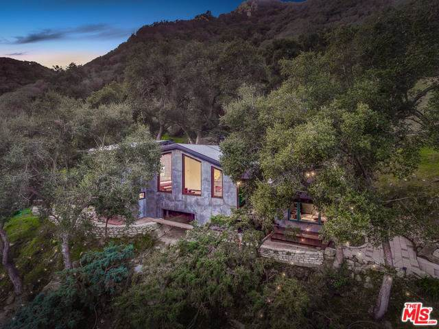 975 Old Topanga Canyon Road, Topanga, CA 90290 (#20546812) :: The Houston Team | Compass