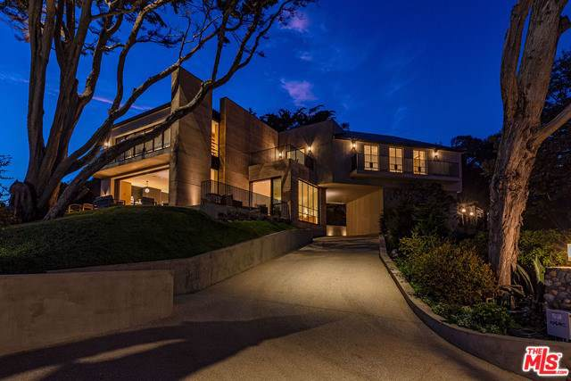 33014 Pacific Coast Highway, Malibu, CA 90265 (#20546034) :: Sperry Residential Group