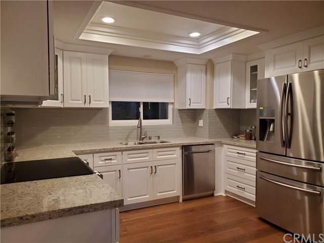 2394 Via Mariposa W 1D, Laguna Woods, CA 92637 (#OC20013202) :: Provident Real Estate