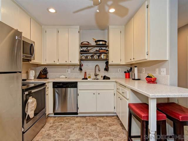 6350 Genesee #211, San Diego, CA 92122 (#200003764) :: RE/MAX Innovations -The Wilson Group