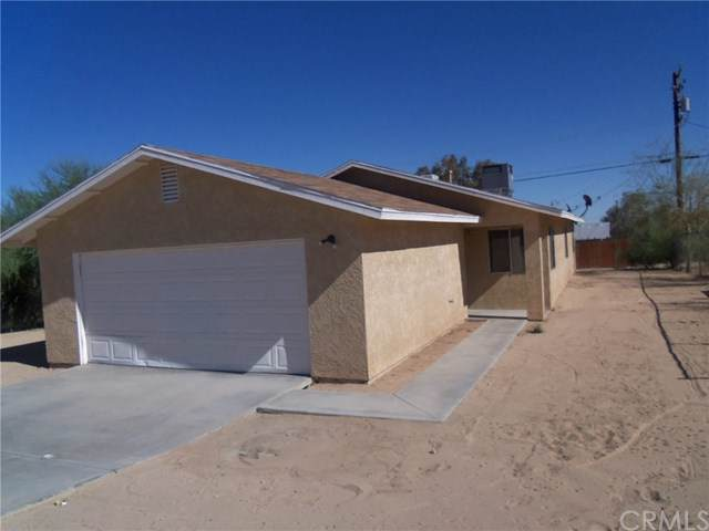 5461 Baileya Avenue, 29 Palms, CA 92277 (#JT20014316) :: Crudo & Associates