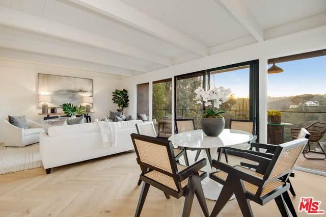 7900 Willow Glen Road, Los Angeles (City), CA 90046 (#20545202) :: Z Team OC Real Estate