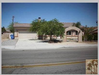 13944 West Drive, Desert Hot Springs, CA 92240 (#219037522DA) :: Twiss Realty