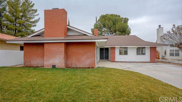 14010 Smoke Tree Road, Victorville, CA 92395 (#WS20016707) :: Team Tami