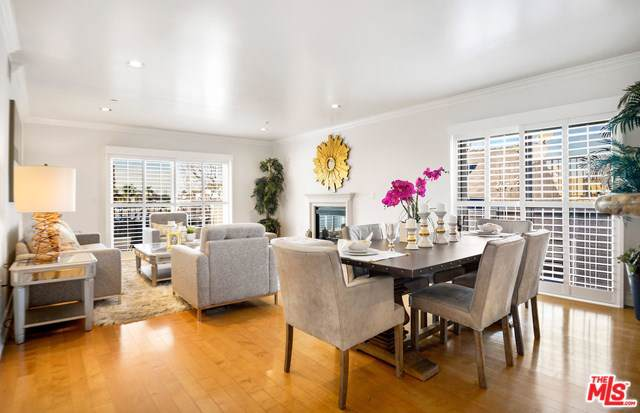 1878 Greenfield Avenue Ph2, Los Angeles (City), CA 90025 (#20547246) :: Crudo & Associates