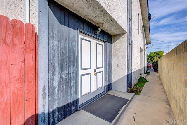 13715 Cerise Avenue #2, Hawthorne, CA 90250 (#SB20017477) :: Frank Kenny Real Estate Team