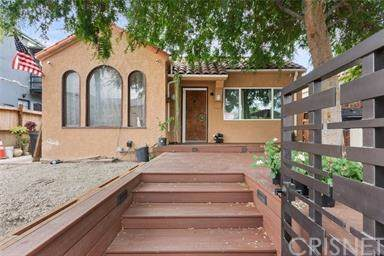 1820 S Sycamore Avenue, Los Angeles (City), CA 90019 (#SR20017381) :: The Costantino Group | Cal American Homes and Realty