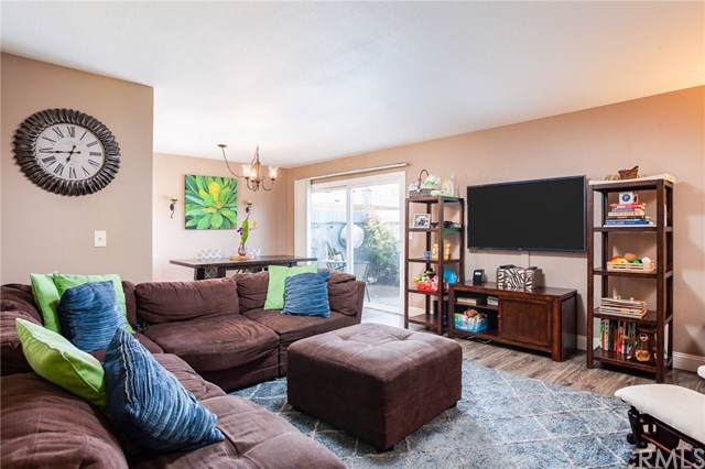 1881 Mitchell Avenue #101, Tustin, CA 92780 (#PW20017465) :: Fred Sed Group