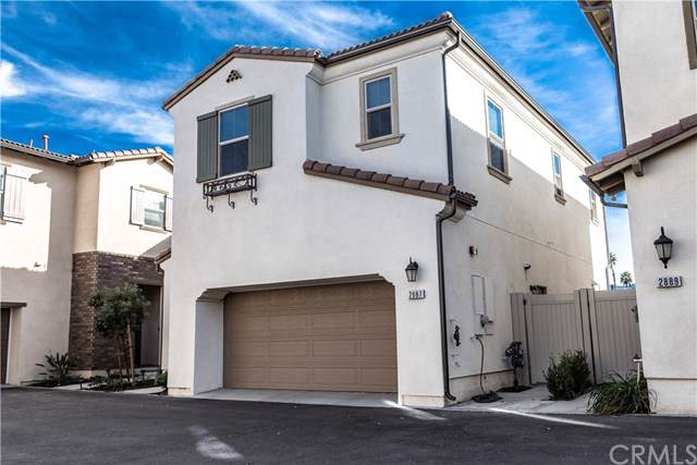 2887 Villa Catalonia, Corona, CA 92881 (#IG20013200) :: The Houston Team | Compass
