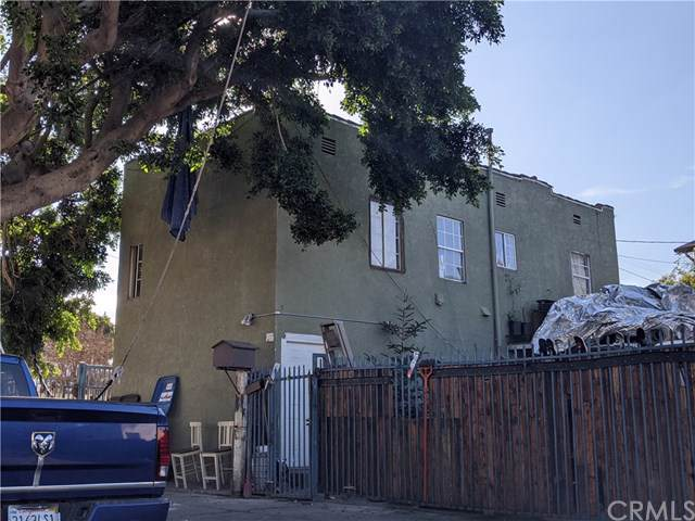 7411 Stanford Avenue, Los Angeles (City), CA 90001 (#BB20017865) :: Twiss Realty