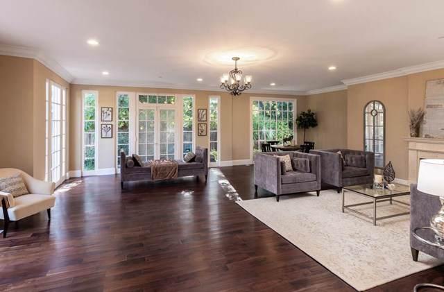 939 University Avenue, Palo Alto, CA 94301 (#ML81780264) :: Z Team OC Real Estate
