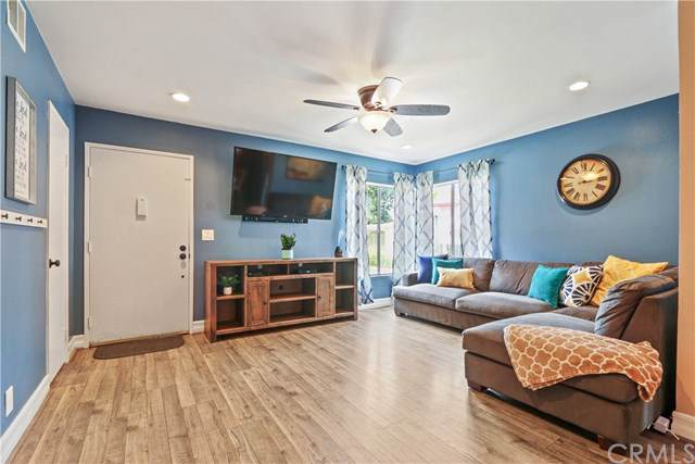 990 S Citron Street #35, Anaheim, CA 92805 (#IV20018102) :: Rogers Realty Group/Berkshire Hathaway HomeServices California Properties