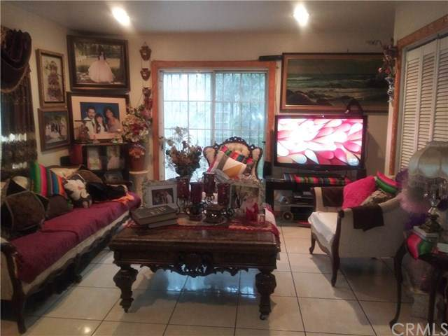 1025 W 65th Place, Los Angeles (City), CA 90044 (#RS20018335) :: Sperry Residential Group