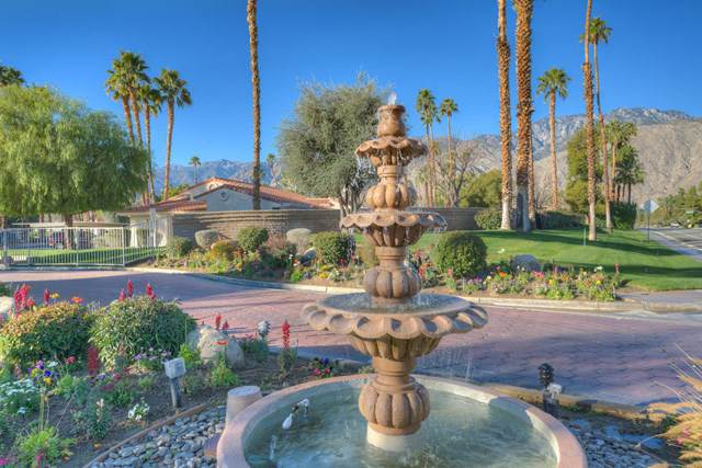 2701 Mesquite Avenue Q74, Palm Springs, CA 92264 (#219037663DA) :: A|G Amaya Group Real Estate