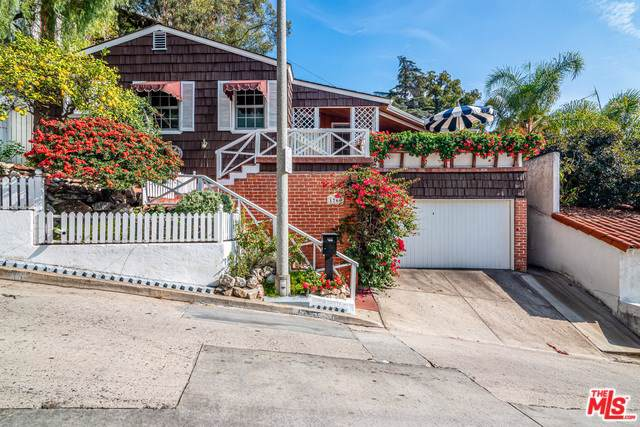 1766 N Orange Grove Avenue, Los Angeles (City), CA 90046 (#20546924) :: Team Tami