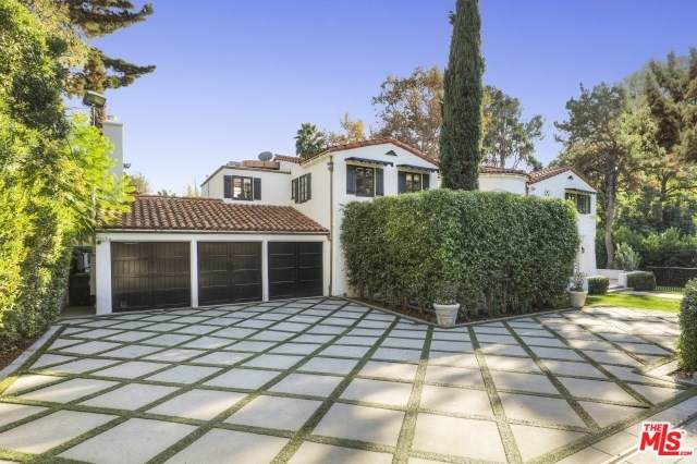 2673 Aberdeen Avenue, Los Angeles (City), CA 90027 (#20547788) :: The Miller Group