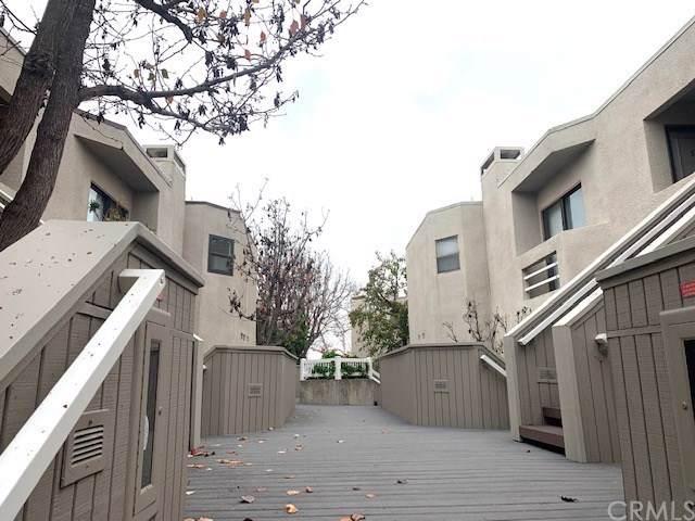 12506 Montecito Road #2, Seal Beach, CA 90740 (#DW20019122) :: Allison James Estates and Homes