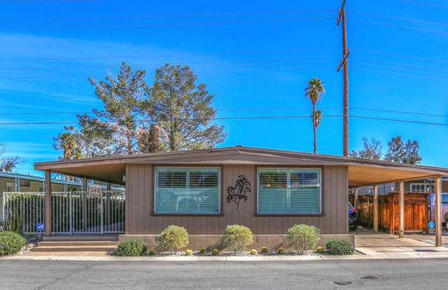 137 Calle Arriba, Palm Springs, CA 92264 (#219037734PS) :: Doherty Real Estate Group