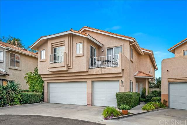 18518 Blue Moon Court, Canyon Country, CA 91351 (#SR20019142) :: The DeBonis Team