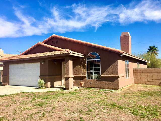 13156 La Mesa Drive, Desert Hot Springs, CA 92240 (#219037780DA) :: The Houston Team | Compass
