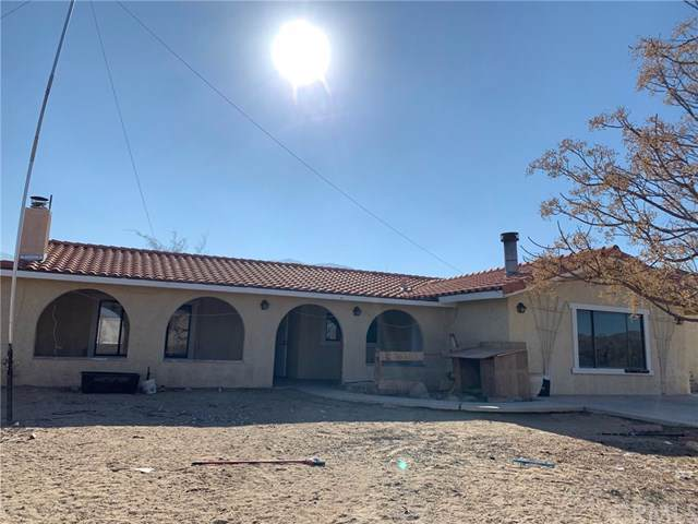 9561 Akron Road, Lucerne Valley, CA 92356 (#CV20020507) :: RE/MAX Masters