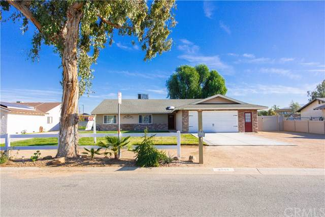 4349 Trail Street, Norco, CA 92860 (#IG20021420) :: Team Tami