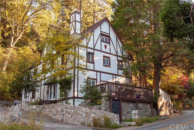 815 Arrowhead Villas Drive, Lake Arrowhead, CA 92352 (#CV20025791) :: Go Gabby