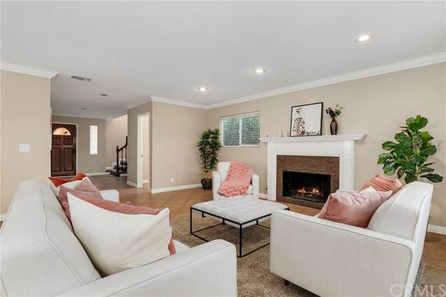 4903 W 118th Place, Hawthorne, CA 90250 (#BB20024285) :: Allison James Estates and Homes