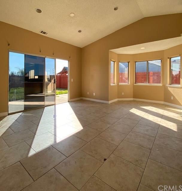 25065 Quebrada Ct, Moreno Valley, CA 92557 (#IG20028566) :: Mark Nazzal Real Estate Group