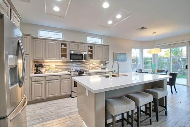 78142 Vinewood Drive, Palm Desert, CA 92211 (#219038593DA) :: Pam Spadafore & Associates