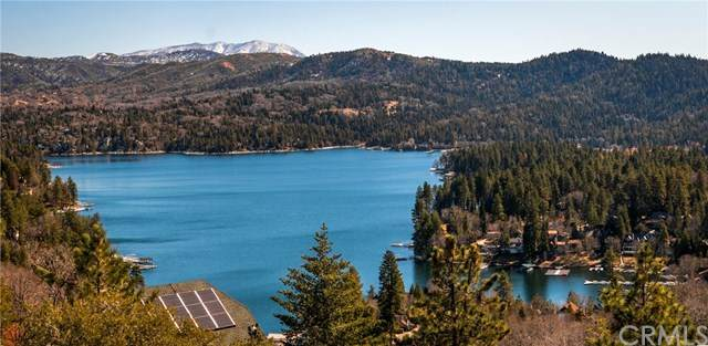 27347 Matterhorn Drive, Lake Arrowhead, CA 92352 (#EV20028770) :: Case Realty Group