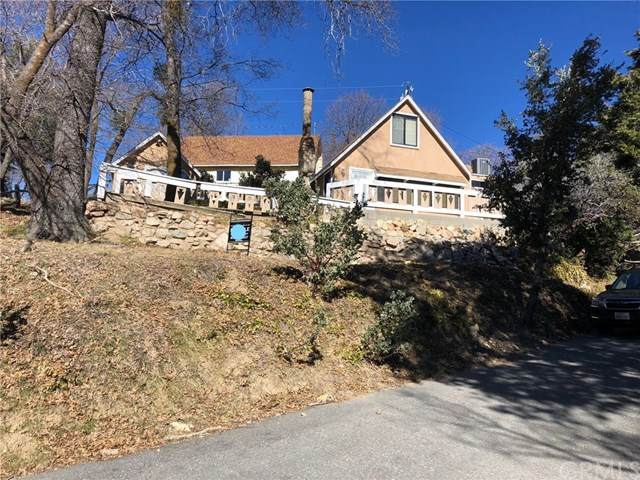 1568 Valley Drive, Lake Arrowhead, CA 92352 (#EV20028769) :: RE/MAX Masters
