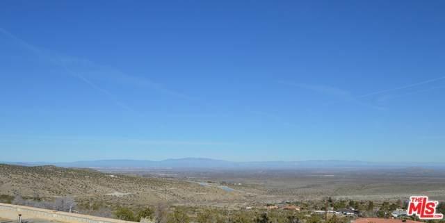15720 E Y8, Llano, CA 93544 (#20552278) :: eXp Realty of California Inc.