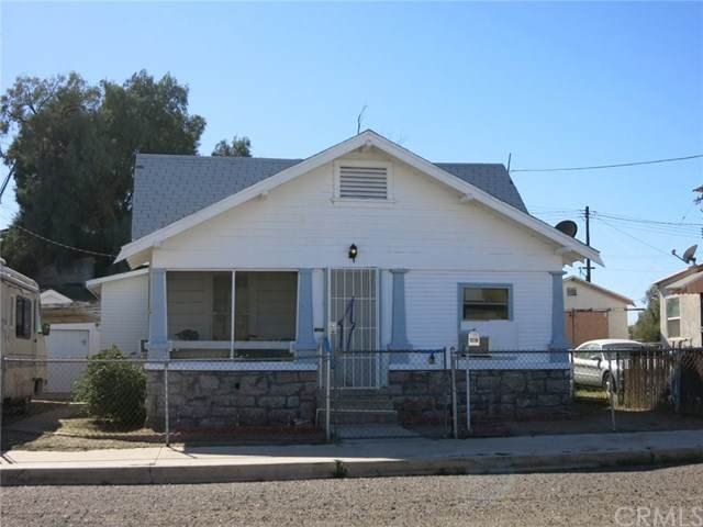 807 4th Street, Needles, CA 92363 (#JT20029433) :: Realty ONE Group Empire