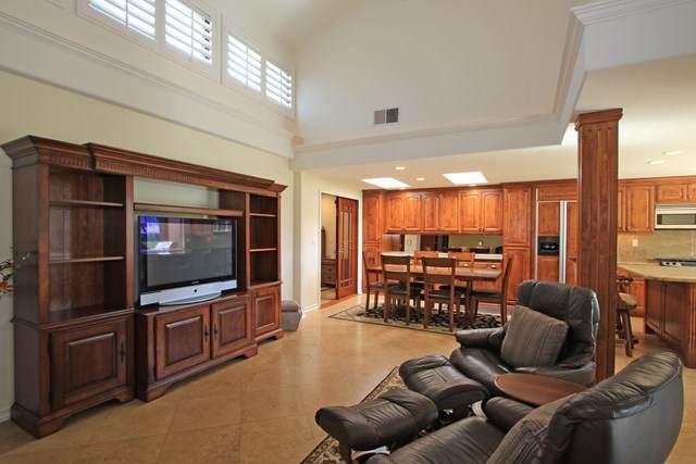 233 Calle Del Verano, Palm Desert, CA 92260 (#219038808DA) :: Z Team OC Real Estate
