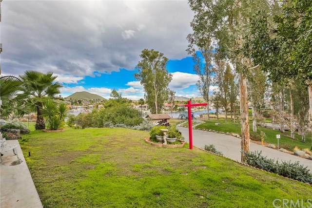 30466 Golden Gate Drive, Canyon Lake, CA 92587 (#IG20029957) :: RE/MAX Empire Properties