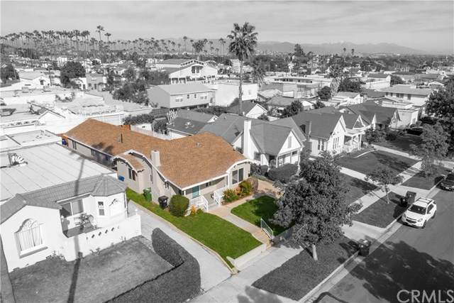 3745 W 58th Place, Park Hills Heights, CA 90043 (#OC20028933) :: The Costantino Group | Cal American Homes and Realty