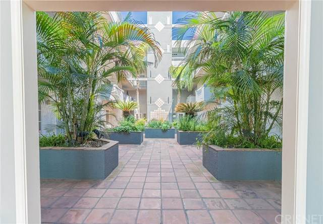 10925 Blix Street #103, Toluca Lake, CA 91602 (#SR20031861) :: The Brad Korb Real Estate Group