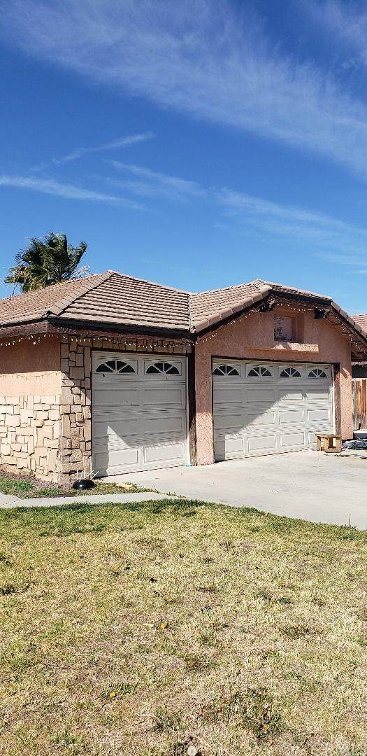 10572 Miami Avenue, Bloomington, CA 92316 (#OC20032704) :: Berkshire Hathaway Home Services California Properties
