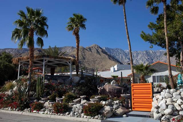 2233 Milo Drive, Palm Springs, CA 92262 (#219038928DA) :: Case Realty Group