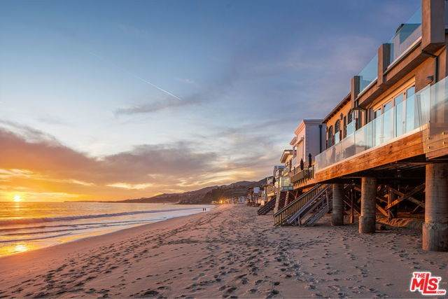 21322 Pacific Coast Highway, Malibu, CA 90265 (#20553770) :: The Brad Korb Real Estate Group