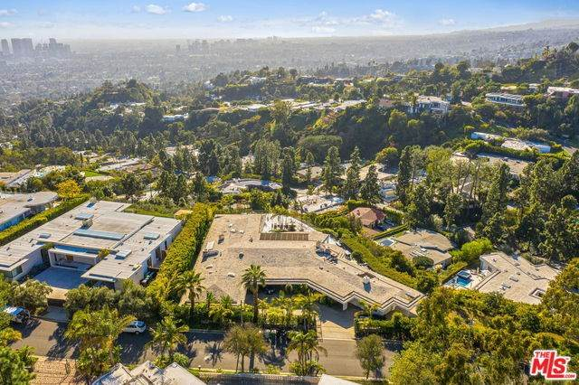 450 Trousdale Place, Beverly Hills, CA 90210 (#20553562) :: RE/MAX Masters