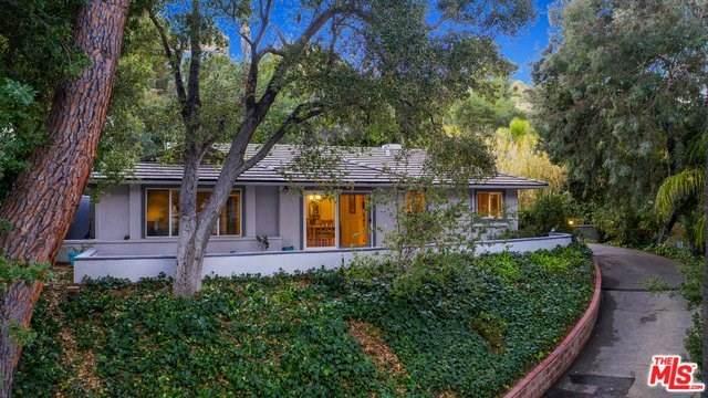 3801 Hayvenhurst Avenue, Encino, CA 91436 (#20552946) :: RE/MAX Estate Properties
