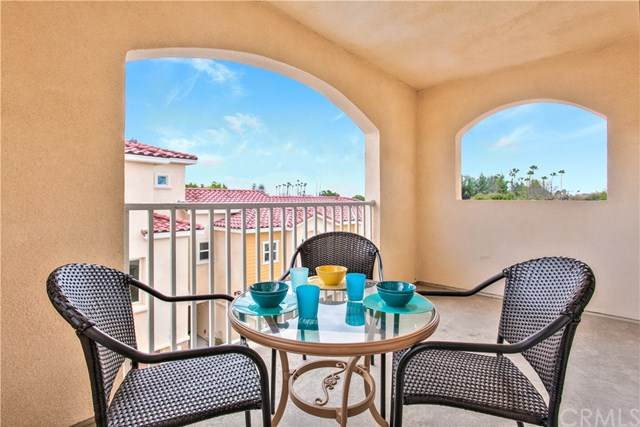 1556 W Katella Avenue #104, Anaheim, CA 92802 (#PW20030031) :: Rogers Realty Group/Berkshire Hathaway HomeServices California Properties