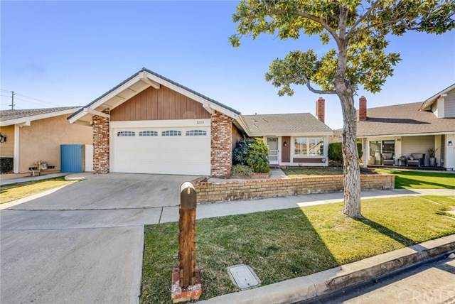 1225 N Hinsdale Place, Anaheim, CA 92807 (#PW20021793) :: Allison James Estates and Homes