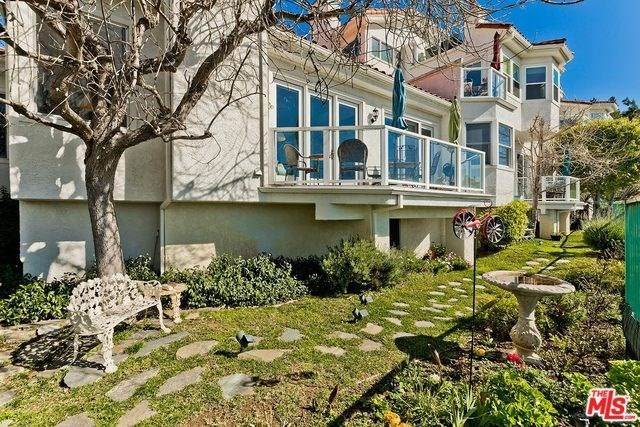 2034 Palisades Drive Drive, Pacific Palisades, CA 90272 (#20554142) :: The Ashley Cooper Team