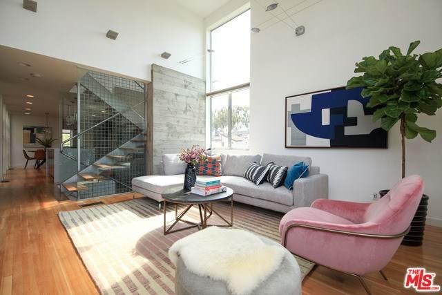 550 Grand, Venice, CA 90291 (#20554300) :: Crudo & Associates