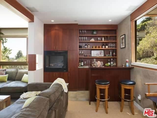 6225 Winans Drive, Los Angeles (City), CA 90068 (#20553928) :: Allison James Estates and Homes