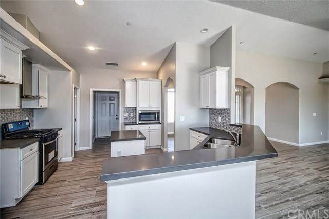 18702 Ranchero Road, Hesperia, CA 92345 (#WS20033615) :: The Brad Korb Real Estate Group